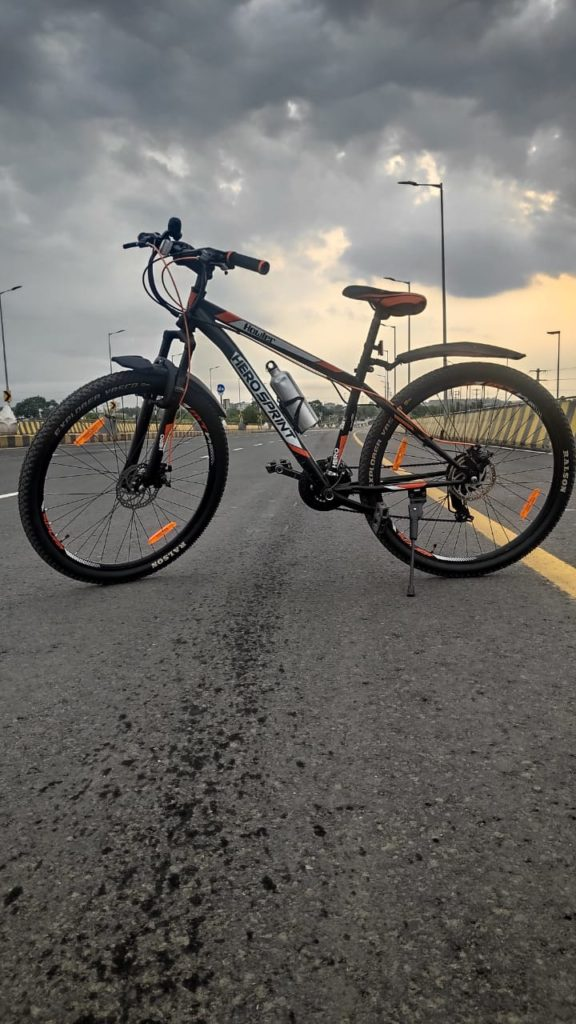 cycle on road